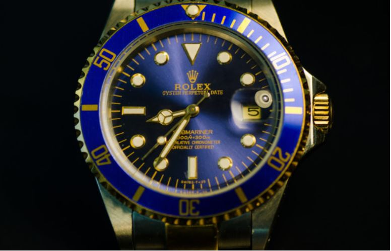 Rolex calls time on unauthorised watch-tracking service
