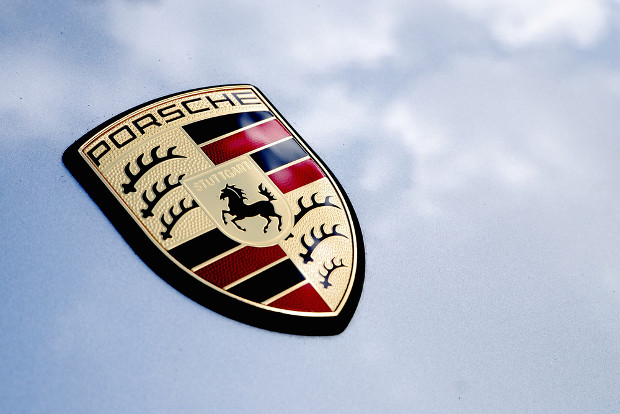 Porsche loses .social domain to car enthusiast