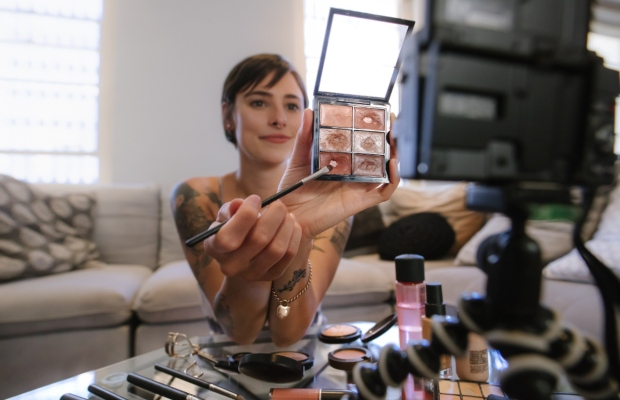 YouTube stars urged to stop using counterfeit make-up